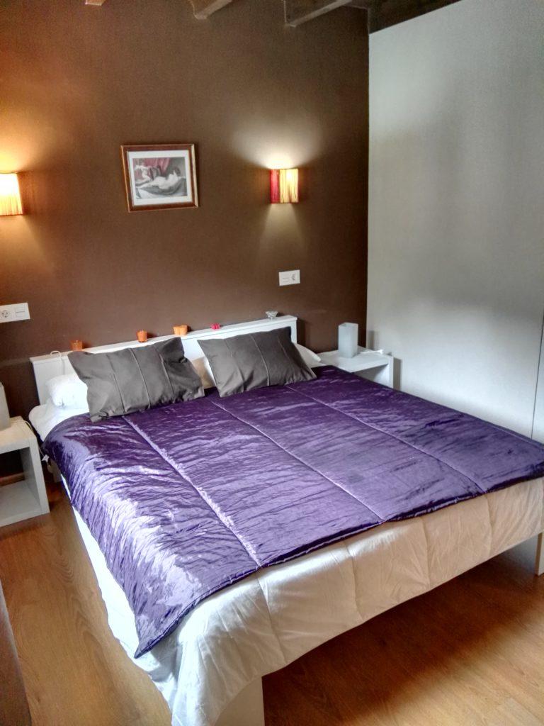 Habitación dedicada al rio más famosos de Asturias, el Sella, que orilla la casa.